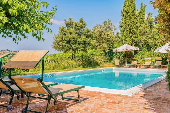 Pastoral apartment with shared pool, barbecue area & terrace!