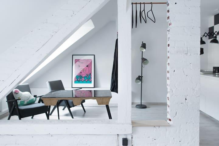 Neon Studio