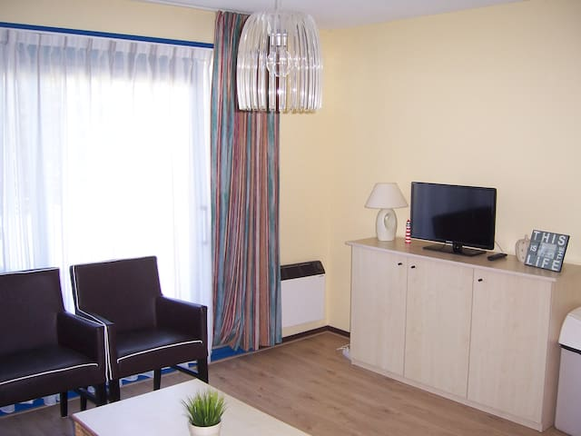 **** Ameland Apartment + terrace & swimming pool - Hollum - Lakás