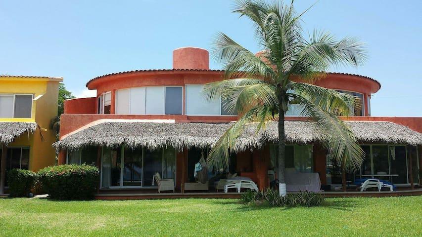 Villa Playa Blanca - Guerrero - Hus