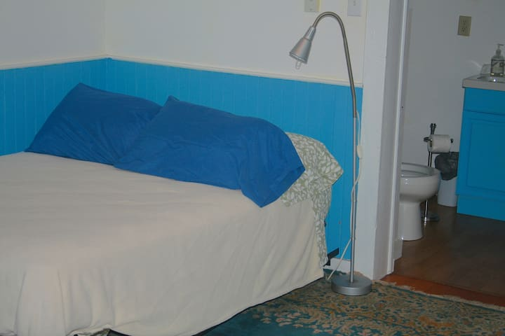 bed and room