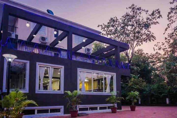 Su Casa exotic luxury apartment