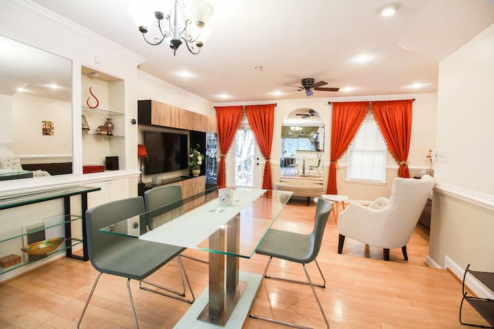 Glorious | 3 bedroom | Thoughtful | Convenient |DC