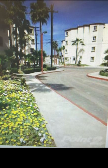 Villa serena way to parking lot