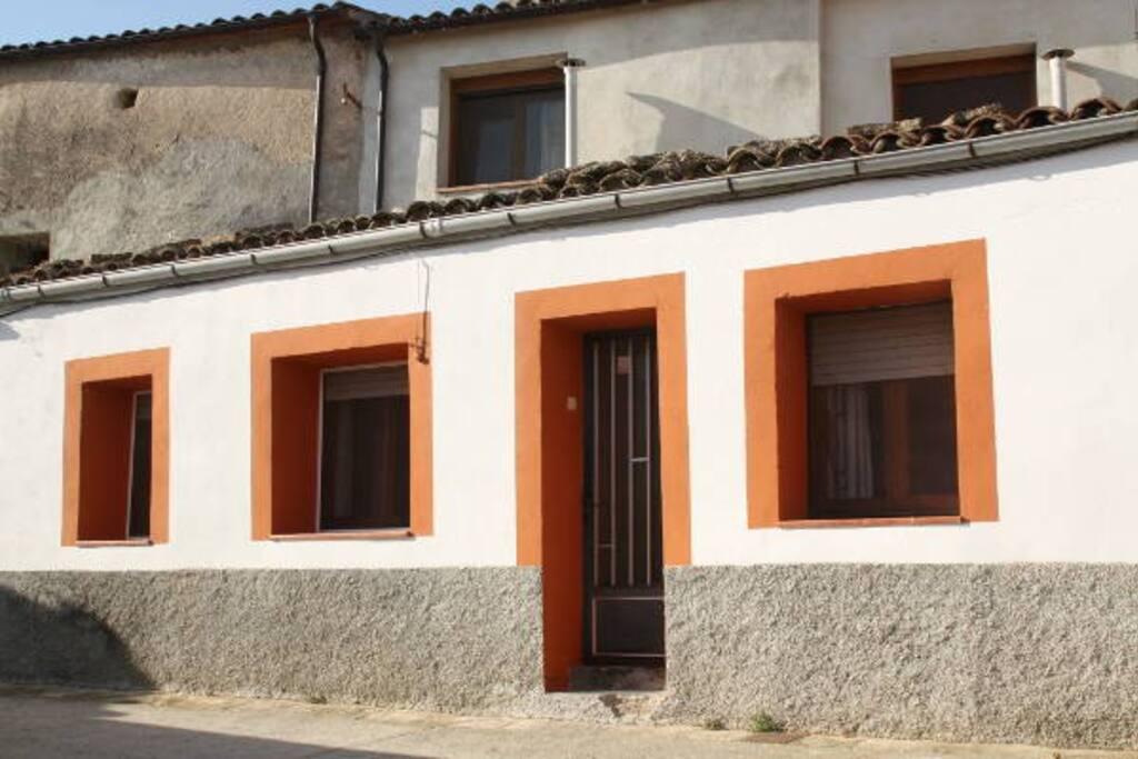 Fachada principal casita Cuitora