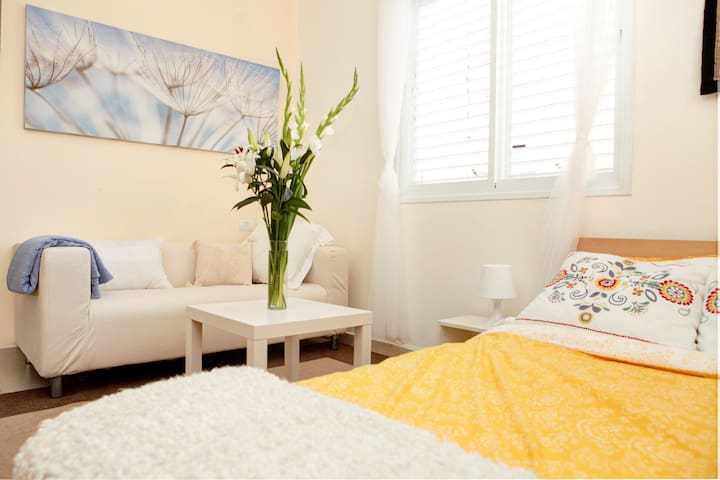 Serene Romantic Studio ★ Hilton Beach