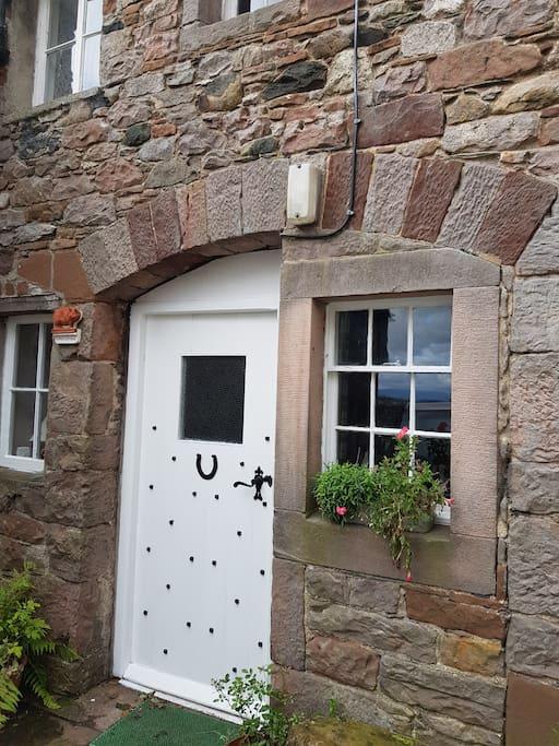 Flitch  cottage  Entrance