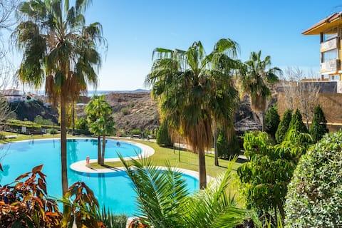 Lovely flat with open pool in El Higueron