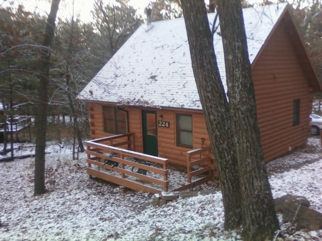 Log cabin at christmas mountain cabins for rent in for Cabins in wisconsin dells for rent