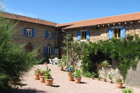 Bed and Breakfast north of Lyon - Ronno - Bed & Breakfast