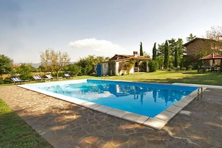 Tuscany - Villa with pool - Osteria - Huvila