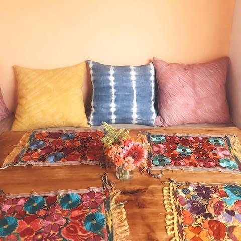 Casa de Stela - Suite Amarillo (Breakfast & YOGA)