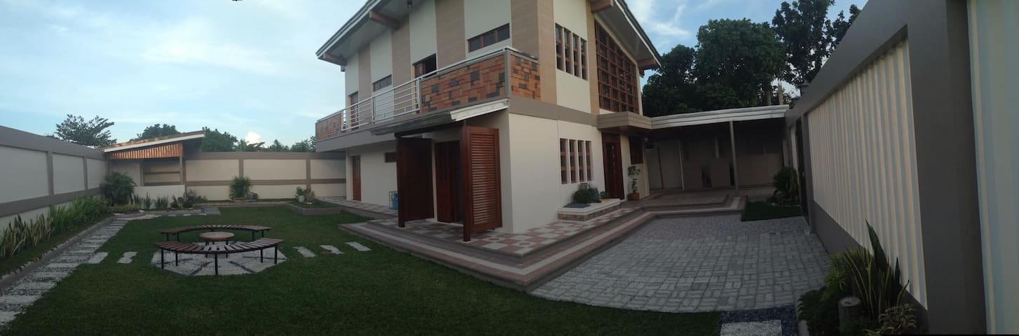 Bagasbas House 5-10 minutes walk to beach - Daet - บ้าน
