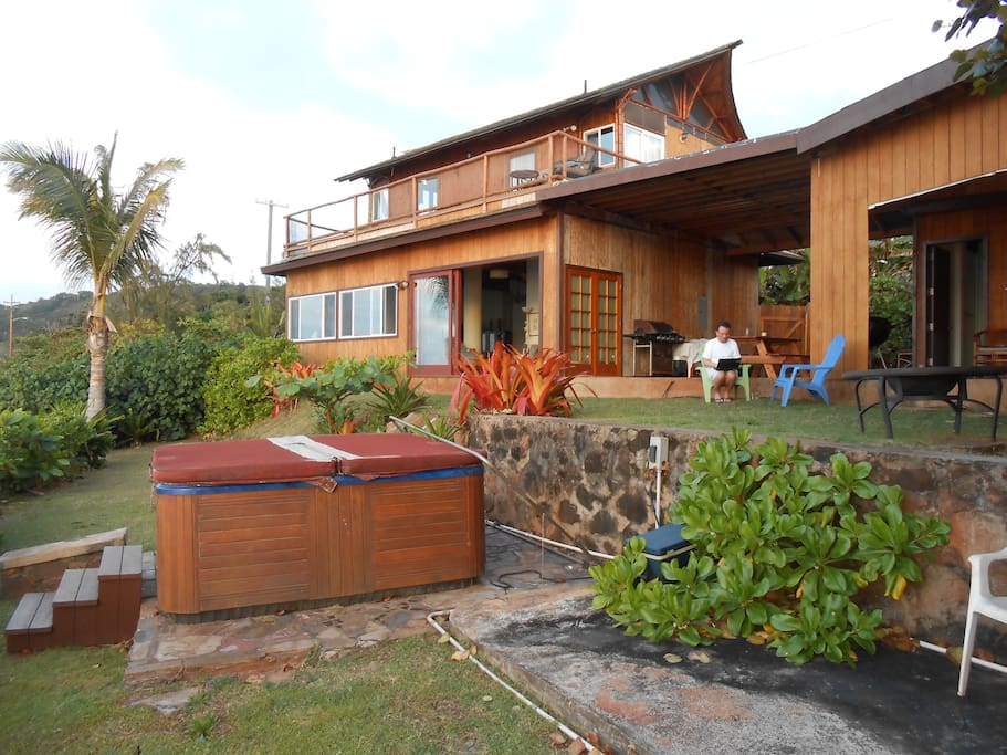 Upstairs Cottage has it's own separate entrance (we also rent downstairs area as a 2 Bed / 2 Bath )