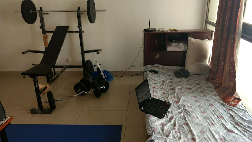 American style furnished Loft with a peaceful view - Pune - Loft
