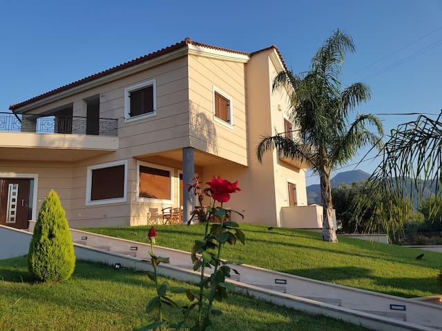 Dimitris villa Aigio