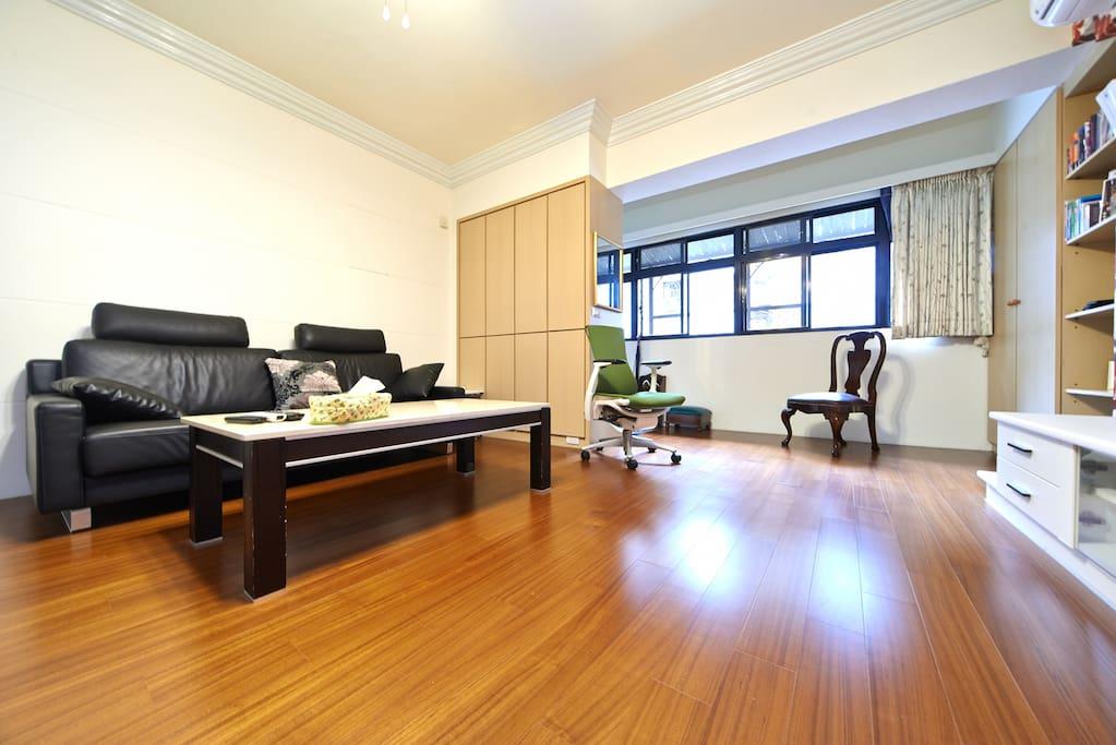 寬敞的客廳(Ultra-spacious living room)