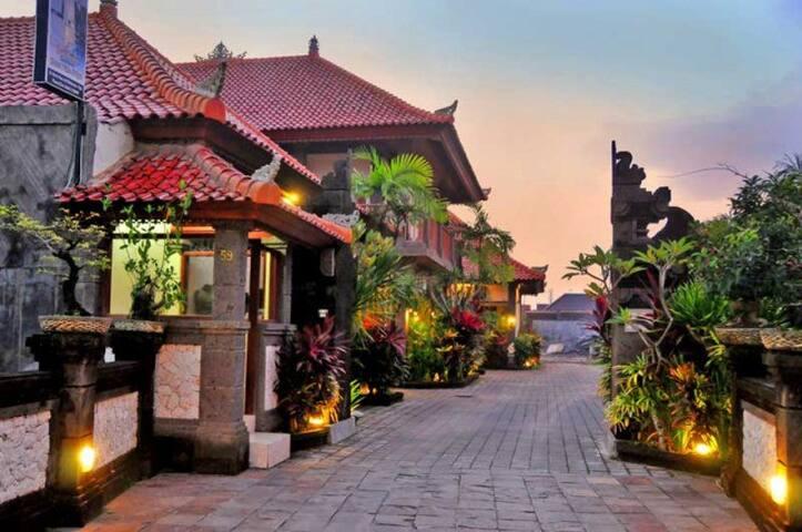 Deluxe Room with Cheap Price in Denpasar - Denpasar Selatan - Wikt i opierunek