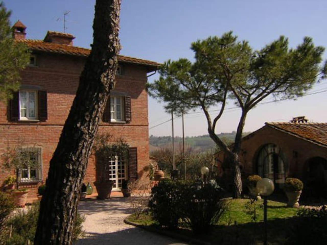 Facciata principale della Villa