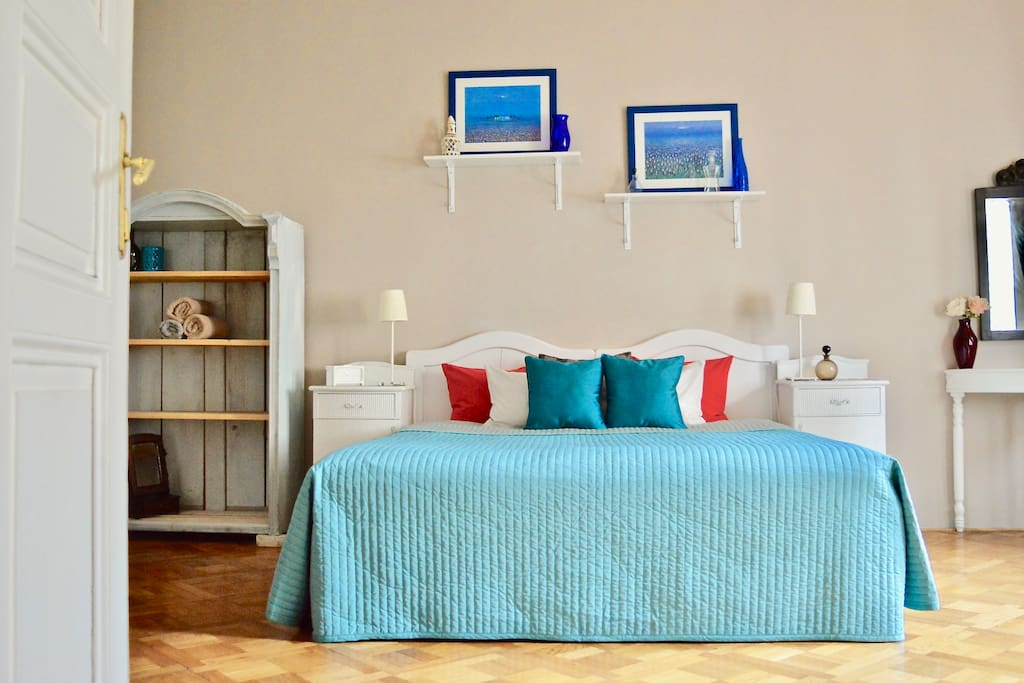 Master bedroom. Double bed 200 x 180 cm. Can be arranged into two single beds.