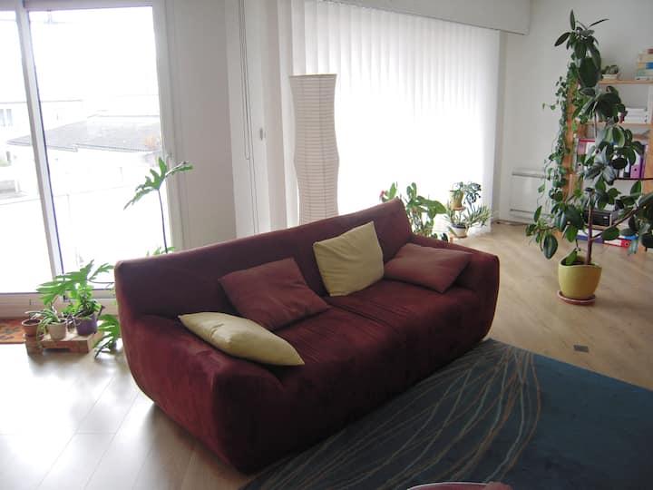 chambre lit simple avec terrasse + petit déjeuner