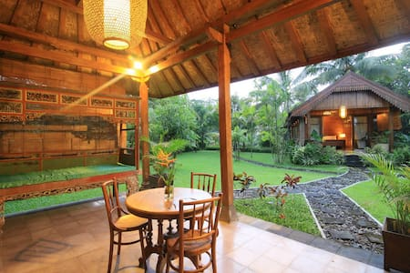 Omkara Mountain Retreat - Sleman - Villa