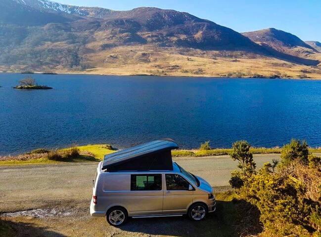 VW Luxury Campervan - 2 Double Beds - Pet Friendly