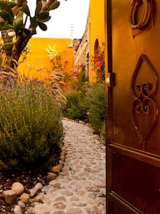Artistic Casita Great Views - San Miguel de Allende - Apartment