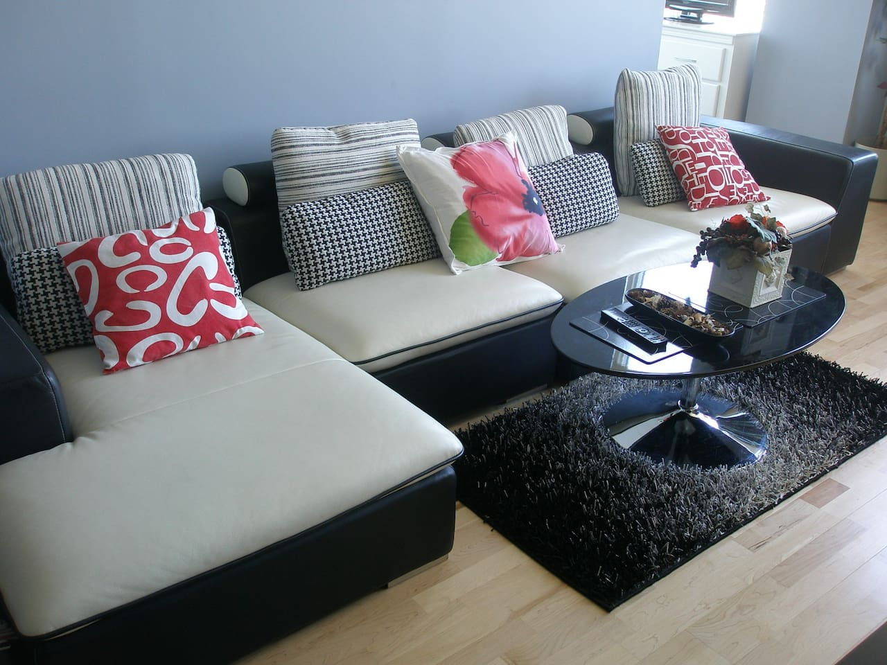 BLACK and WHITE LEATHER SOFA in the LIVING ROOM