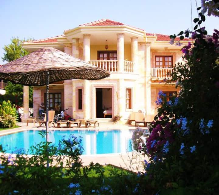 Jumali House - luxury central villa - private pool