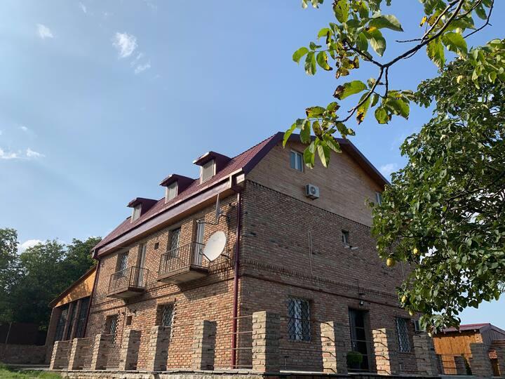 Luxurious Villa Near Tbilisi