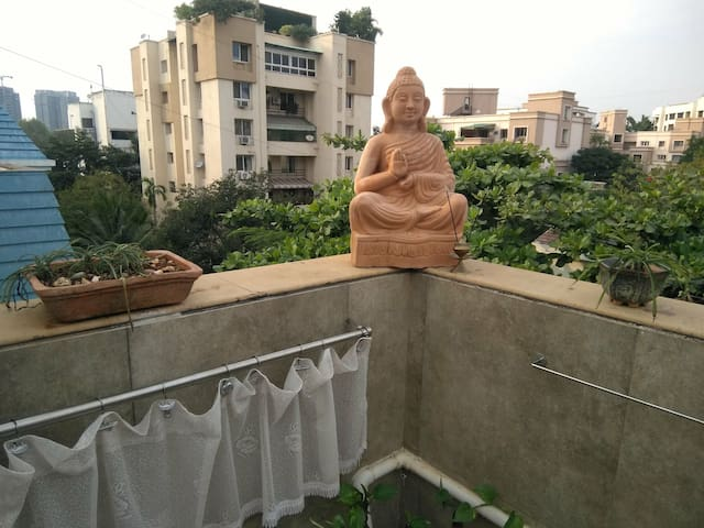 Meditation friendly terrace