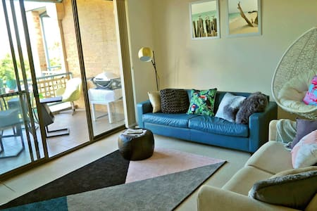 Oasis in Coogee! Ensuite room & Ocean glimpse - Coogee