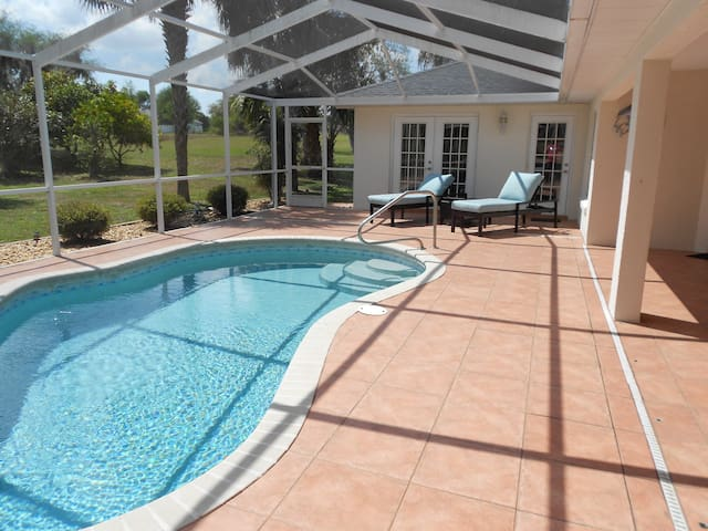 Villa with pool - family vacations
