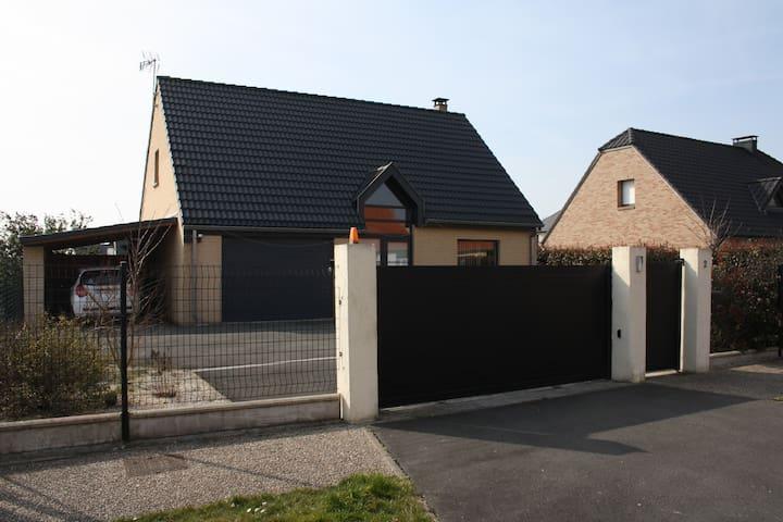 pavillon individuel de 120 m² - Estevelles - Huis