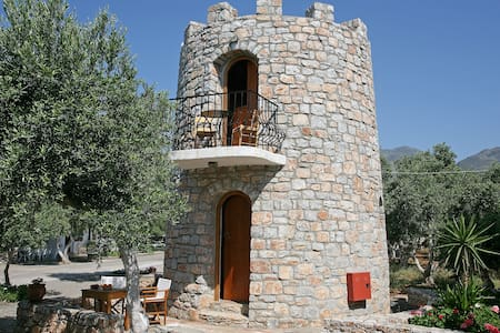 #1 Small Tower House above Beach + 2 bikes - Fragkokastello