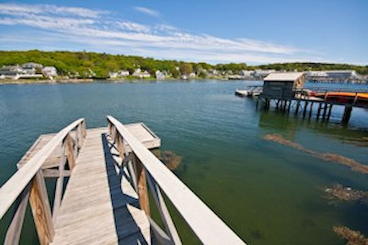 Luxury Condo on Water's Edge in Boothbay Harbor - Boothbay Harbor - Daire
