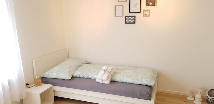 Zimmer mit Bad in Schänis