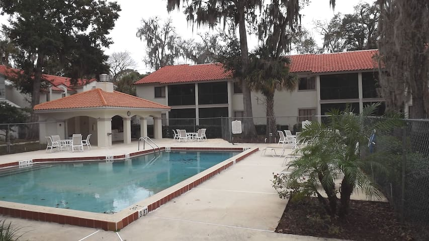 Relaxing Retreat In Vacation Land - Titusville