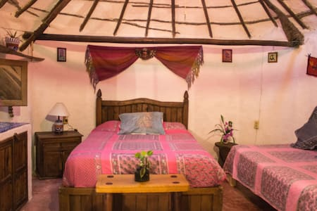 Casitas Kinsol Guest House - Room 1 - Bed & Breakfast