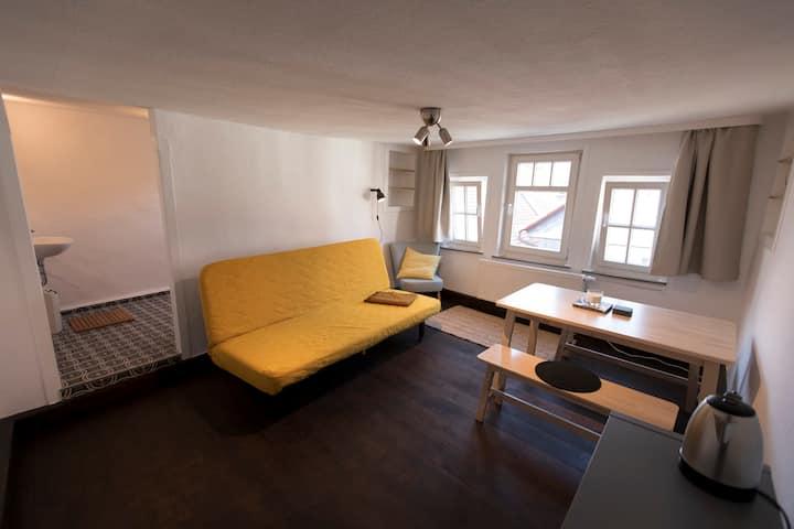 Gemütliches Zimmer im historischen Herzen Marburgs