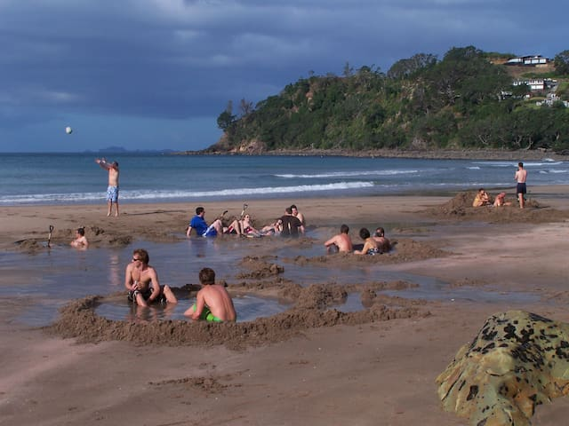 Hot Water Beach Hot Pools