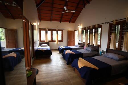 Smarika Farms : Homestay ( 5 Bed )
