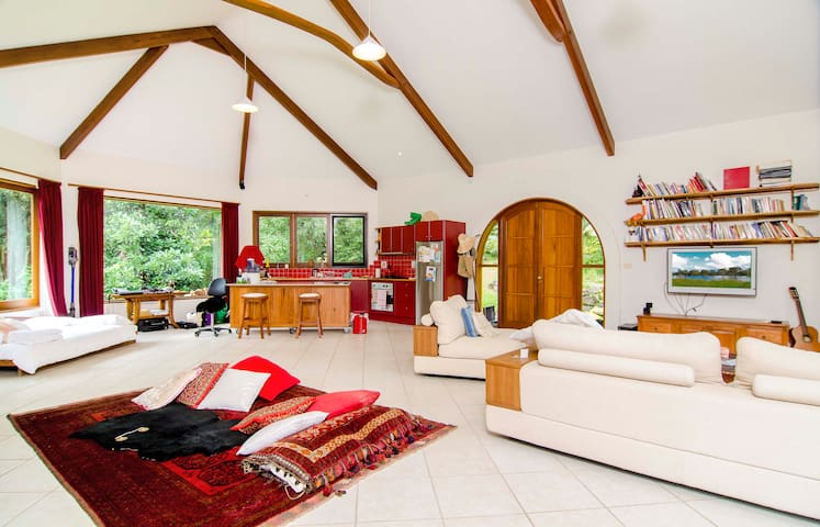 Romantic Forest Hideaway Byron Bay Hinterland - Goonengerry - Casa
