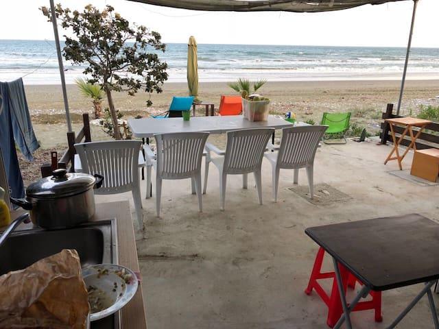 Espero Beach Larnaca