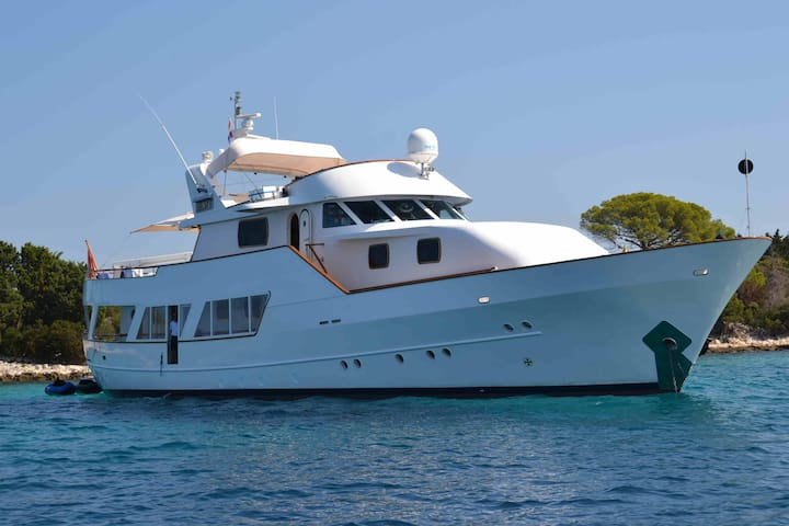 Motor Yacht Bert - Boat&Breakfast