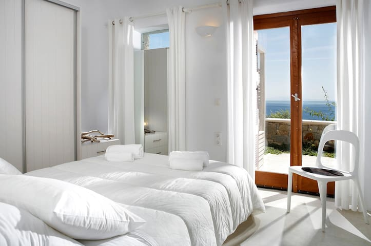 Villa E - 2nd Bedroom (Double Bed and Sea View from the room)