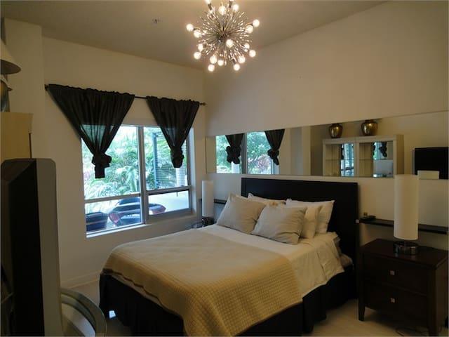 AMAZING GARDEN TOWNHOUSE FLAMINGO - Miami Beach - Apartamento