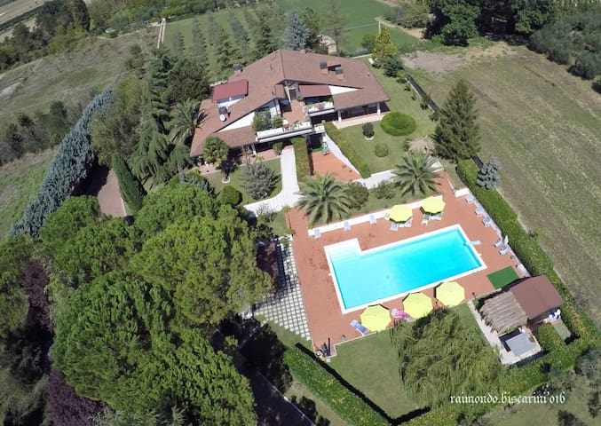 VILLA CON PISCINA, VISTA ASSISI - Ассизи - Вилла