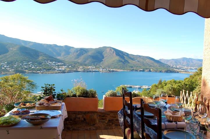 Beautiful house with amazing views! - El Port de la Selva - Villa